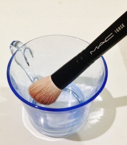 How to Clean Your Brush
